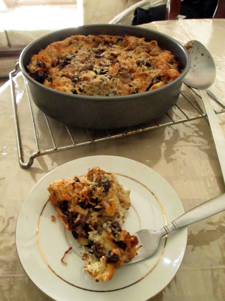 Cinnamon Raisin Coconut Bread Pudding (1/5)